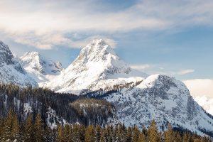 Alpentoppen met sneeuw